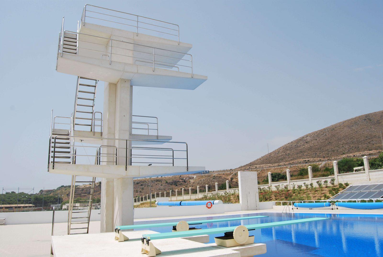 Piscinas virgen del carmen iii complejo acu tico - Medidas para una piscina ...