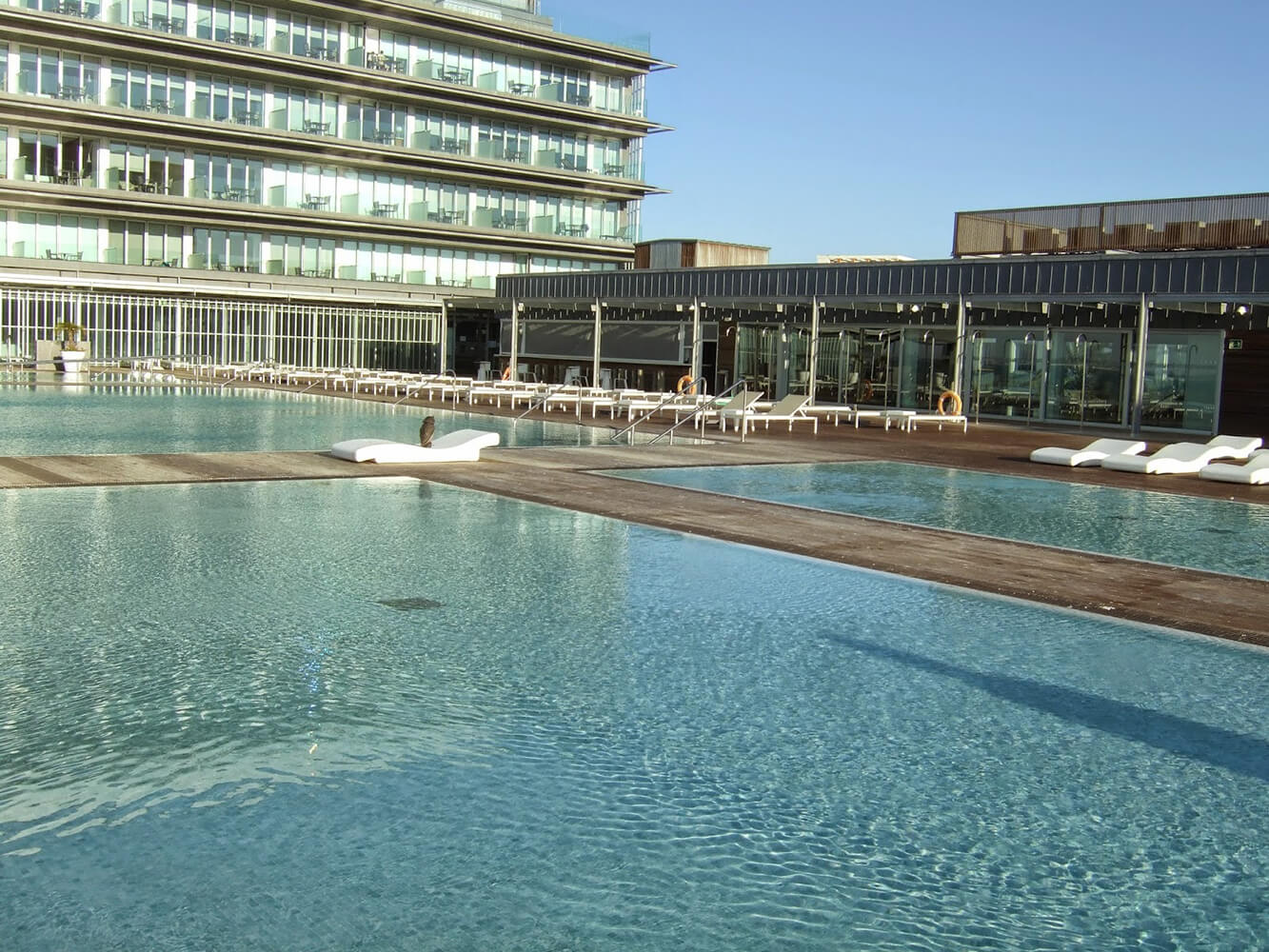 Piscinas parador hotel atl ntico hidroingenia for Piscinas naturales bolonia cadiz