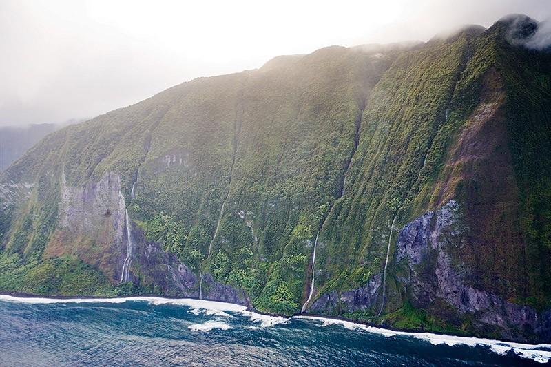 Oloupena falls Hawaii