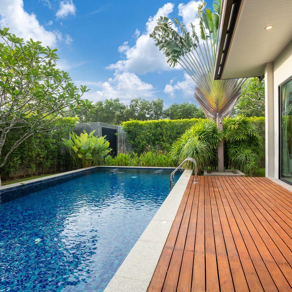 suelos de piscinas