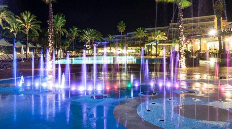 La fuente del Insotel Cala Mandía Resort Spa