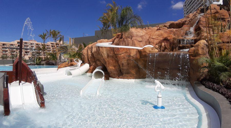 El parque acuático en Tenerife del Roca Nivaria Gran Hotel - Hidroingenia