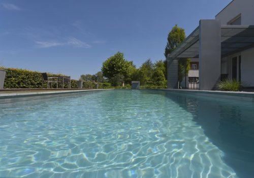 Living Pools 24