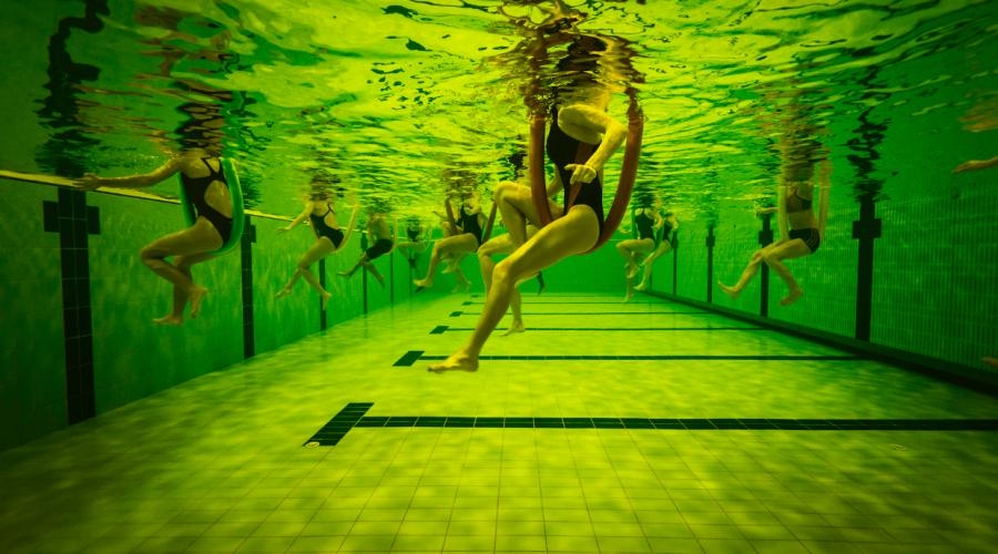 Los beneficios físicos y mentales del entrenamiento en el agua.