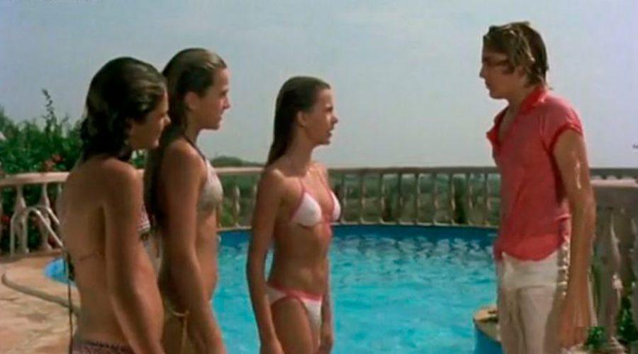 5 escenas míticas de series en piscinas que seguro que recuerdas