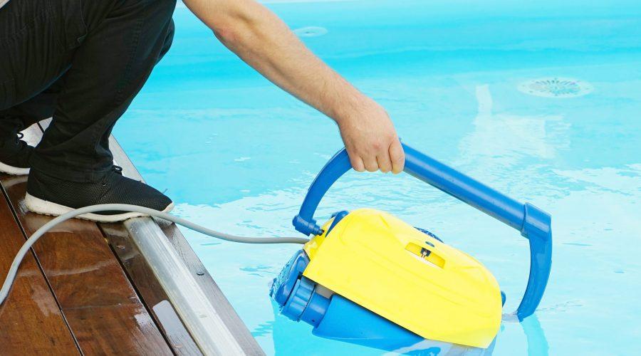 Cómo hacer una buena limpieza en la piscina con Hidroingenia - Hidroingenia