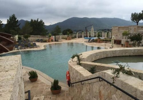Piscinas del hotel park hyatt mallorca hidroingenia - Piscinas prefabricadas mallorca ...
