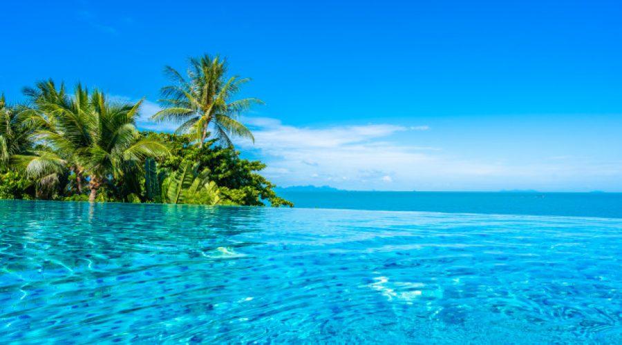 ¿Conoces las piscinas desbordantes? Te hablamos de sus ventajas y desventajas