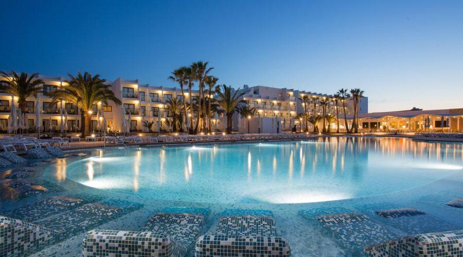 Ibiza, el paraíso hecho hotel